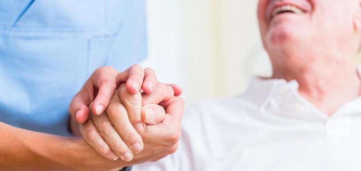 El sector de servicios asistenciales a domicilio ingresa un 2% más en 2020