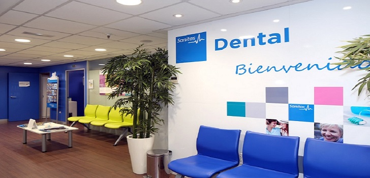 Sanitas sale de compras y adquiere una clínica dental en Barcelona