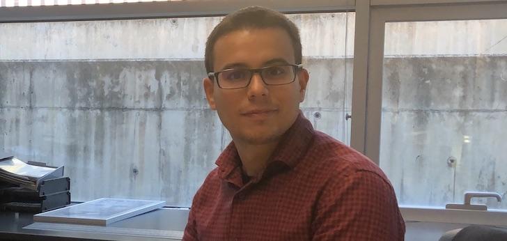 """Cristian Castillo (UOC): """"Si AstraZeneca continúa sin entregar las dosis, la UE debe valorar demandarla"""""""