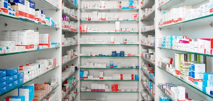 Las farmacias españolas echan el freno: su facturación decrece un 2,9% en el último año
