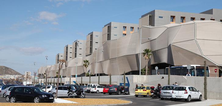 Murcia adjudica a Baxter el suministro de material fungible por un millón de euros