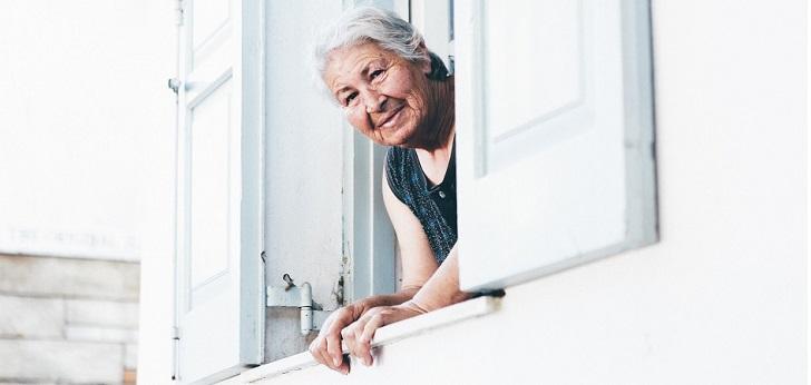 Qida lanza 500 ofertas de trabajo de cuidador en Madrid, Cataluña y País Vasco