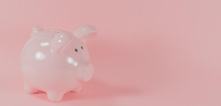 Los europeos se aferran a la hucha: el ahorro repunta en el último trimestre y cierra 2020 en máximos