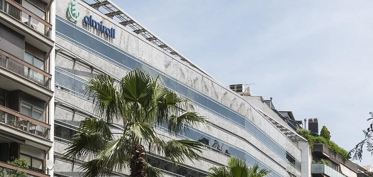 Almirall fija el precio de su emisión de bonos en 300 millones de euros