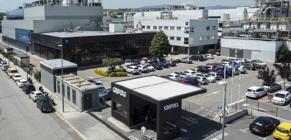 Grifols lleva su plasma al Servicio Murciano de Salud por tres millones de  euros | PlantaDoce