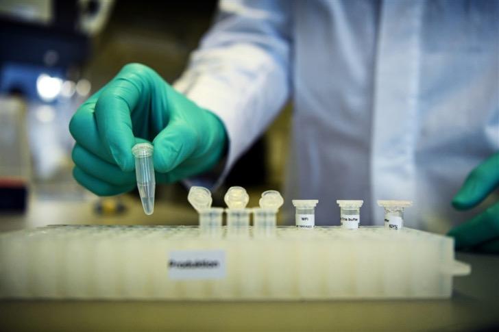 Pfizer y BioNtech completan la primera fase del ensayo de su vacuna contra el Covid-19