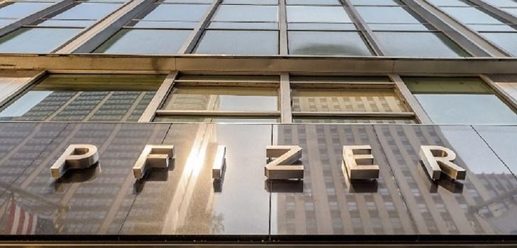 Pfizer lanza un programa de hasta 500 millones para apoyar al sector 'biotech'
